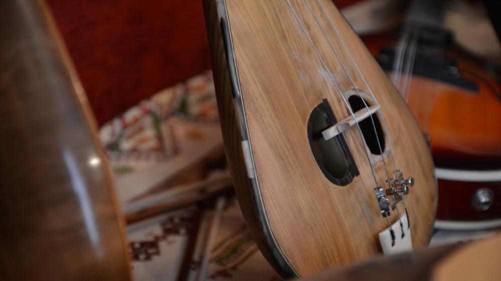 Θύραθεν, το μουσείο ελληνικής παραδοσιακής μουσικής